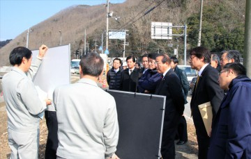 平成25年1月24日(木)建設常任委員会で管内調査 ①佐用川の災害復旧工事