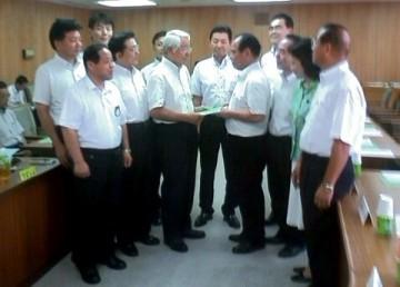 平成25年9月13日(金) 井戸知事に来年度予算編成に向けての重要政策提言