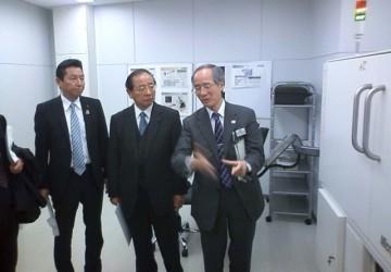 平成25年11月27日(水) 県立工業技術センターを視察