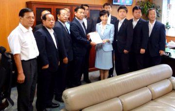 平成28年9月21日(水) 古屋厚生労働副大臣に介護体制の充実などについて要望