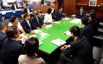 平成28年9月21日(水) 石井国土交通大臣に基幹道路ネットワークの早期整備について要望2