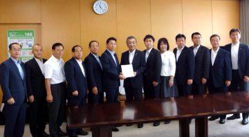平成28年9月21日(水) 松本内閣府特命担当大臣に防災庁の創設について要望